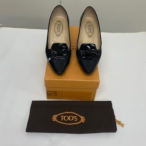 Tods Black Patent Leather Pumps